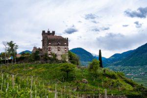 Castel del Gatto near the Fragsburger wasserfall